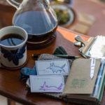 今日の #コーヒー はアアルトコーヒー、トラベラーズブレンド!やって来てくれた「やる気さん」を愛でつつ休日の朝を楽しんでいます。